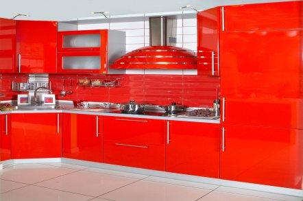 Красные кухни в дизайне